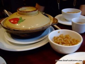 Clay pot wax meat rice