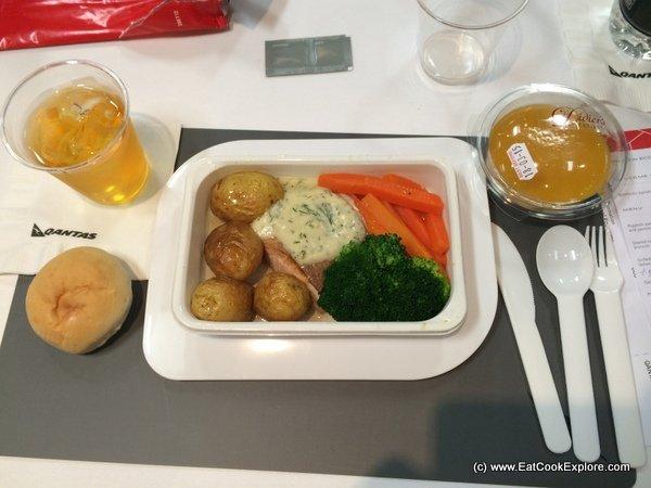 qantas new economy class meals