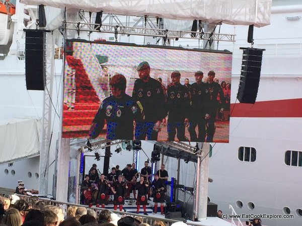 Britannia Red Hot Chilli Pipers