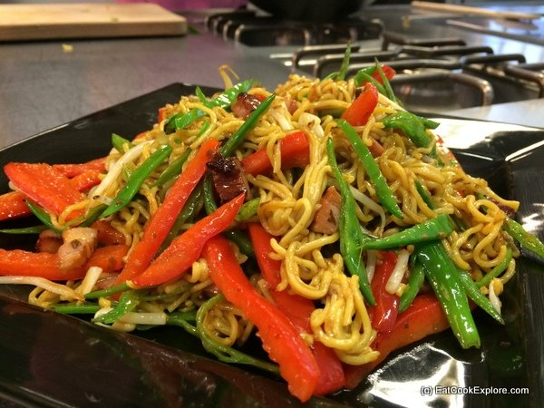 Amoy Chinese Stir fried noodles Bacon Chow mein recipe