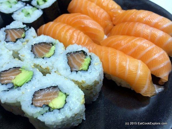 sushi shop A mixed plate of sushi