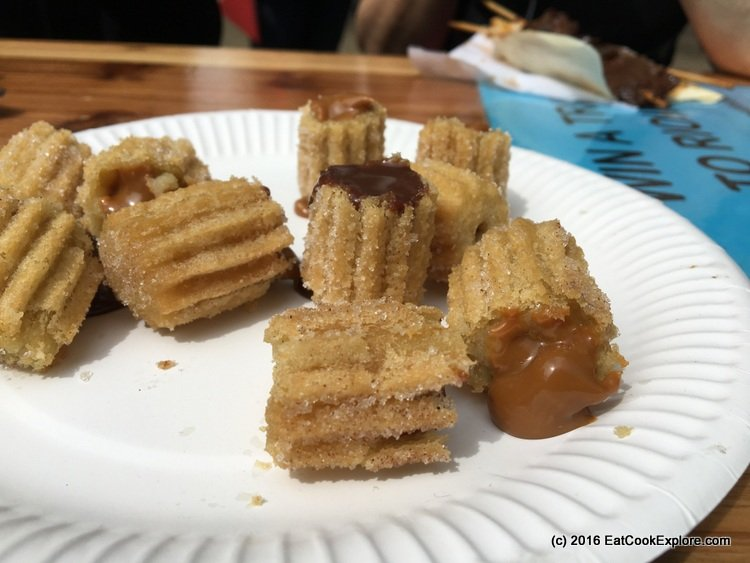Comidafest churros filled with doce de leite
