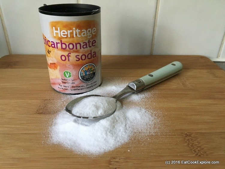 Life hacks with baking soda