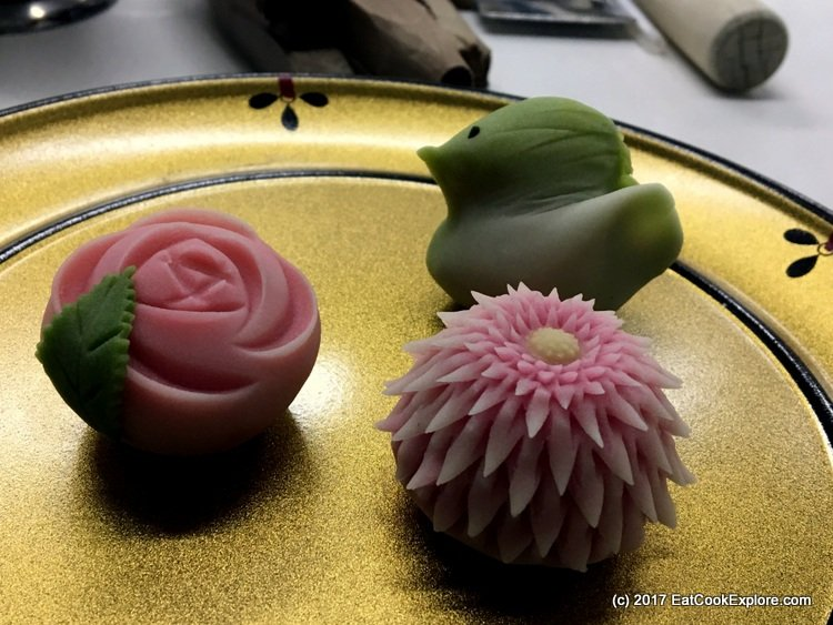 A bird, a Chrysanthemum and a rose wagashi (clickwise)