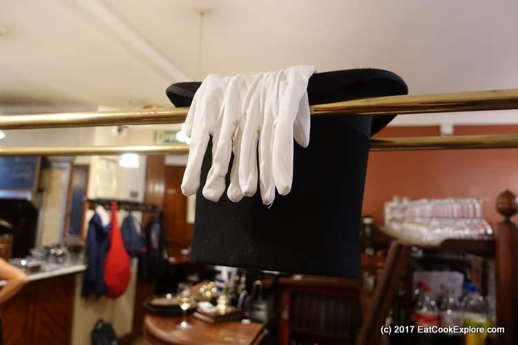 Top Hat at Simpsons Tavern