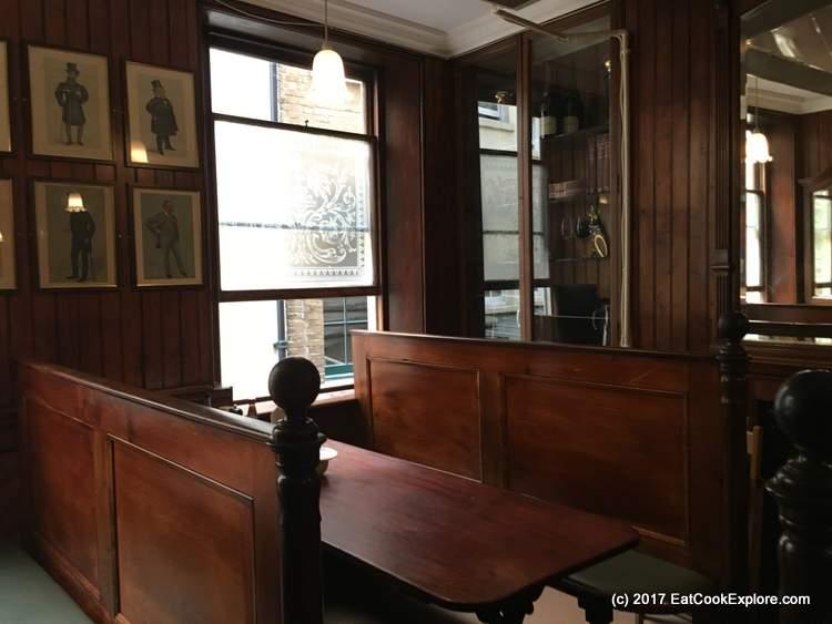 Simpsons Tavern Ball Court Cornhill
