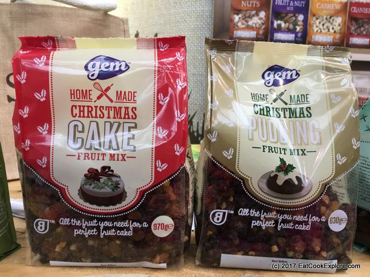 Clever all in one package for Christmas cakes by Sowans