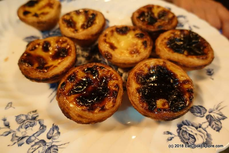 Pasteis de natas - Portuguese Custard Tarts