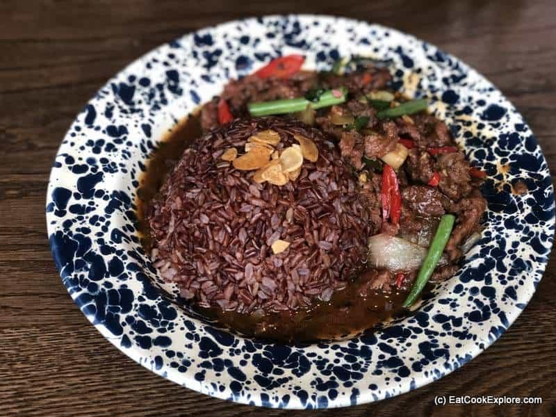 Rosas Thai Beef with Thai Basil